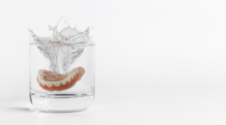 How to Clean Dentures: Top 5 Denture Cleaning Tips