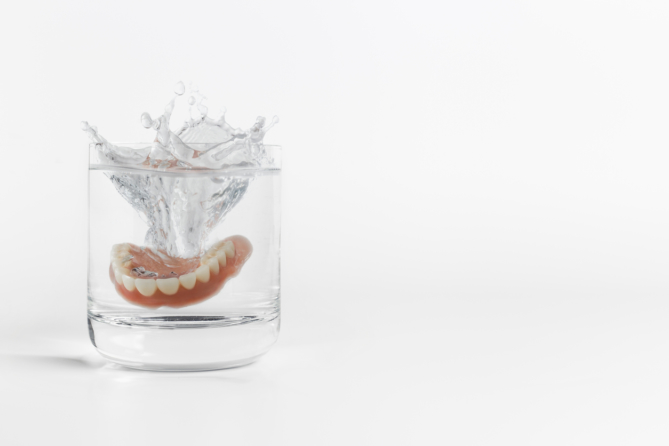 How to Clean Dentures